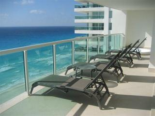 Ultra Luxury 5 Bedroom 5 Bath Best in Cancun NEW! - Cancun vacation rentals