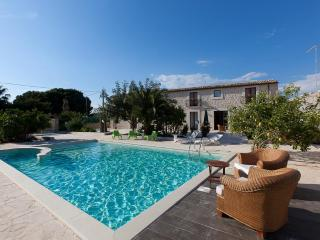 Guesthouse U Marchisi BnB with pool and wifi in Scicli - Scicli vacation rentals