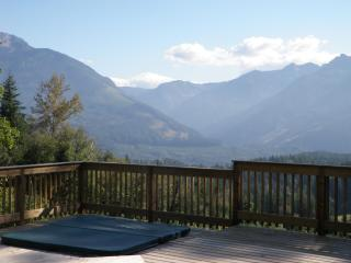 MountainViewRetreat swimming pool hot tub 19 acres - Chilliwack vacation rentals