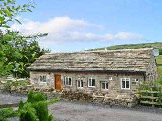 PACK HORSE STABLES, character holiday cottage, with hot tub in Hebden Bridge, Ref 5595 - Hebden Bridge vacation rentals