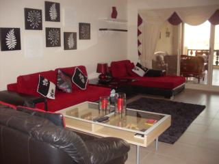 Al Hamra, 3 bed apartment close to pool and beach - United Arab Emirates vacation rentals