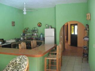 2 bedroom House with Internet Access in Melaque - Melaque vacation rentals