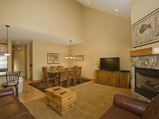 Buffalo Lodge 4 BD Townhome, 20% off  thru 6/29 - Silverthorne vacation rentals