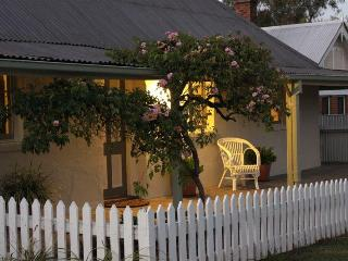 The Cottage Tumut - Tumut vacation rentals