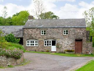 THE CIDER HOUSE, family friendly, character holiday cottage, with a garden in Llanddewi Skirrid, Ref 7191 - Llangynidr vacation rentals
