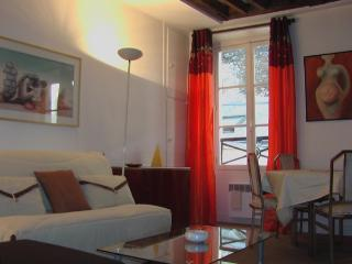 Apartment Napoleon Apartment Napoleon - Paris vacation rentals