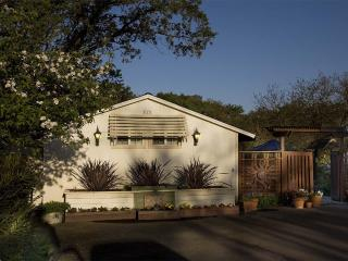 CASITA CARNEROS  Pet friendly wine country cottage - Glen Ellen vacation rentals
