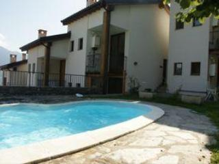 House rear on pool level - Lake Como -North Detached House , Pool 8-9 persons - Montemezzo - rentals