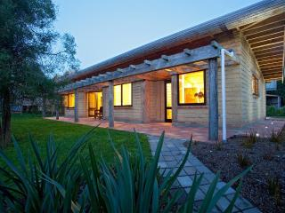Luxury Eco Self Catering Accommodation Cambridge - New Zealand vacation rentals