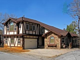 A magnificent and luxurious Big Bear vacation cabin in the tradition of an Alpine Chateau design. - Big Bear Lake vacation rentals