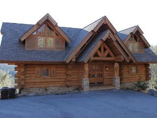 Bear Hollow Lodge, Beautiful Luxury Log Home - Gatlinburg vacation rentals