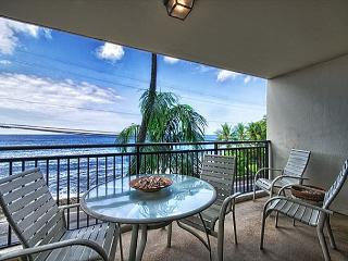 1 bedroom Ocean front condo, right down town w/ AC, great Ocean views - Kailua-Kona vacation rentals