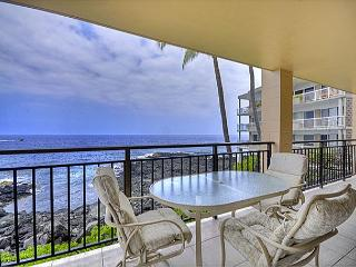 Oceanfront 2 bedroom condo with amazing Ocean and Sunset views - Kailua-Kona vacation rentals