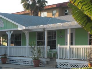 Cottage Rental-Daily or Weekly - 4th night Free! - Bradenton Beach vacation rentals