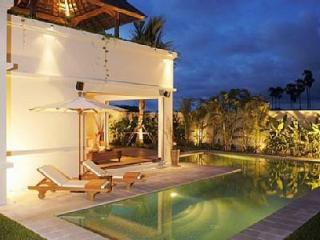 Nice Villa with Deck and Internet Access - Bang Tao Beach vacation rentals
