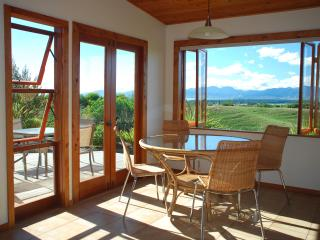 "Mapua Heights Cottage - ""A gem among gems"", Nelson - Mapua vacation rentals"