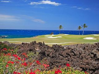 OCEAN FRONT VILLA OVER LOOKINGTHE SIGNATURE GOLF HOLE AT MAUNA LANI - Kamuela vacation rentals