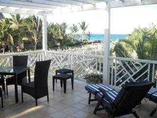 CARIBBEAN PRINCESS A2... overlooking the pool and on to Orient Beach and the sea, this affordable 2 bedroom unit is just the ticket for a fun filled vacation! - Orient Bay vacation rentals