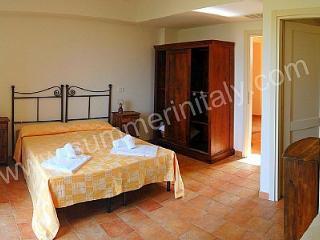 Comfortable 3 bedroom Sorano House with Deck - Sorano vacation rentals