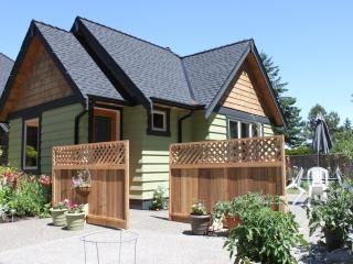 Perfect Cottage with Outdoor Dining Area and Television in Qualicum Beach - Qualicum Beach vacation rentals
