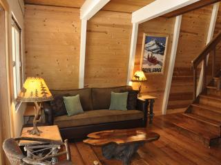4 BR cabin, hot tub, excellent location West Shore - Tahoe City vacation rentals
