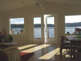 WATERFRONT 3BR 2 Bath Home TRANQUILITY ON THE BAY - Marshall vacation rentals