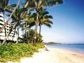 Oceanfront Apartment 707 in Punaluu Oahu Hawaii - Punaluu vacation rentals