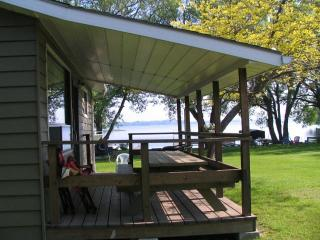 Cozy Cottage with Deck and Internet Access - Bloomfield vacation rentals