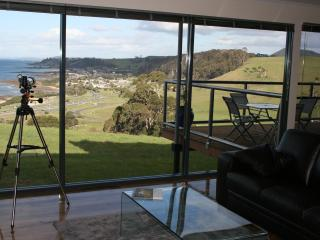 2 bedroom Apartment with Deck in Burnie - Burnie vacation rentals