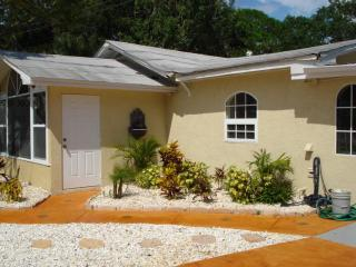 Paradise Cove 2 Bedroom on Lemon Bay - Englewood vacation rentals