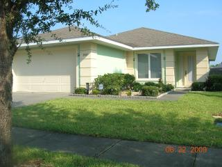 4 bed villa with pool 3 miles from Disney World - Kissimmee vacation rentals