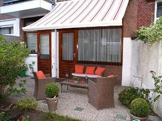 The Hague Cozy apartment w/garden near beach/see - Rotterdam vacation rentals