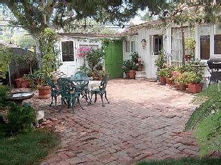 Private courtyard - Summerland Cottage - Laguna Beach - rentals