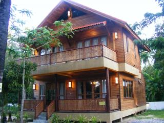Beautiful wooden villa 2 bedrooms in Koh Samui - Mae Nam vacation rentals