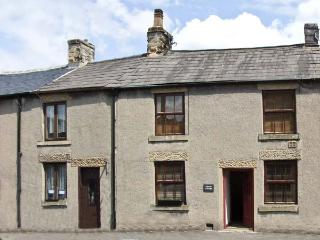 MYRTLE COTTAGE, country holiday cottage in Tideswell, Ref 6032 - Great Longstone vacation rentals