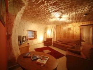 2 bedroom Bed and Breakfast with Internet Access in Coober Pedy - Coober Pedy vacation rentals