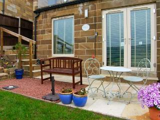COWSLIP RETREAT, pet friendly, luxury holiday cottage, with open fire in Sleights, Ref 7316 - Sleights vacation rentals