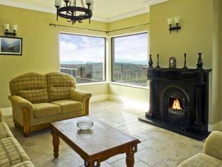 OCEAN VIEW , pet friendly, luxury holiday cottage, with a garden in Adrigole, County Cork, Ref 4630 - Adrigole vacation rentals