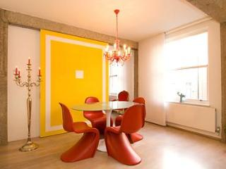 SUPERB DESIGN SOHO 3bed/2bath QUIET CLEAN BRIGHT - London vacation rentals