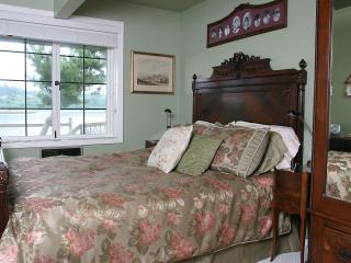 1 Bdrm Private Beach Suite, Views, WINTER SPECIALS - Bainbridge Island vacation rentals