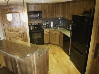 Lodge 201A One Bedroom, Two Bath Condo with Lake and Golf Views. Sleeps 4. WIFI. - Tamarack Resort vacation rentals