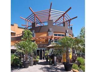 Luxurious 3-BR Condo at Playa Del Sol - Image 1 - Kelowna - rentals