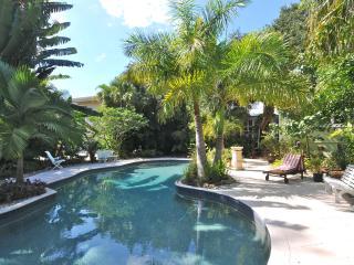Luxury Beach Cotttage - Sarasota vacation rentals