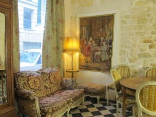 Ben Franklin's Salon - Paris vacation rentals