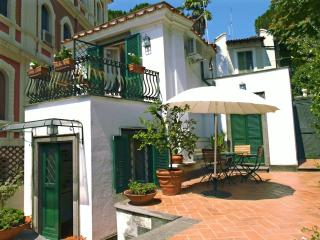 Lovely cottage in central Rome, l'Orangerie - Rome vacation rentals