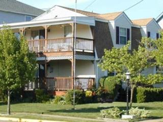 Bright 4 bedroom Cape May House with Deck - Cape May vacation rentals