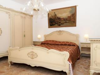 A true Venetian house 5 minutes from S.Mark Square - Venice vacation rentals