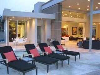 Palm Springs Contemporary Tennis Club Estate - Palm Springs vacation rentals