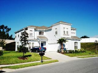 Stunning Executive 6 bed Villa 15mins from Disney - Orlando vacation rentals