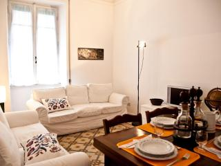 Vatican -2 Bedrooms cozy apt with balcony-wifi - Rome vacation rentals